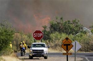 Monument Fire nears Sierra Vista