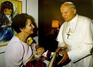 Phoenix woman who befriended pope dies at 88