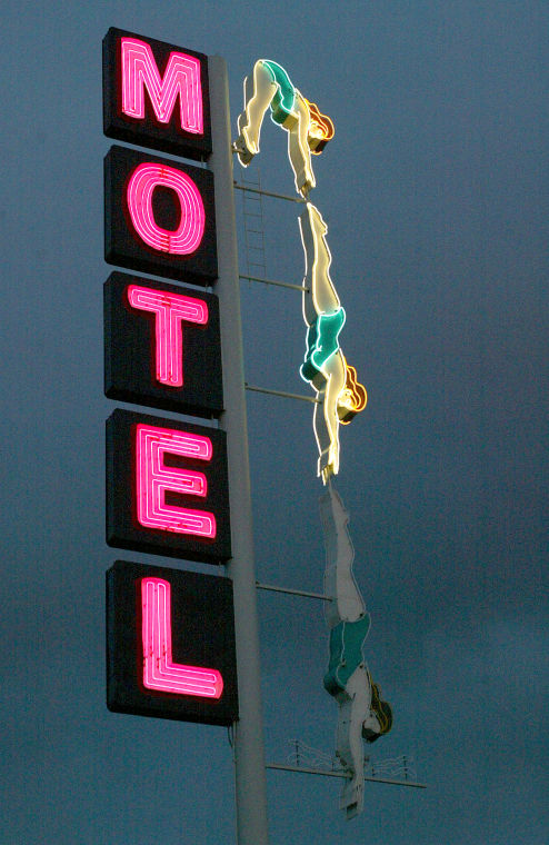 Starlite Motel's Diving Lady