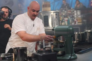Iron Chef narrowly defeats Valley's Lee Hillson