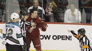 Marleau's 2 goals lift Sharks over Coyotes