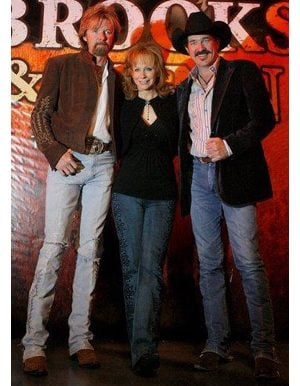 Brooks & Dunn win at country music awards