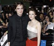 Fans flock to `Twilight' premiere in Los Angeles