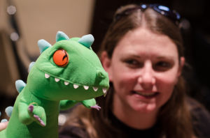 <p>A Phoenix DinoCon fan with Reptar.</p>