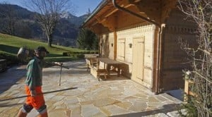 Swiss ready Polanski chalet for house arrest