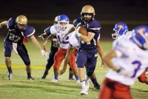 Football: Desert Vista
