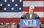 Kerry urges immigrant reform in Phoenix