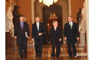Senate Democrats decide on party leaders