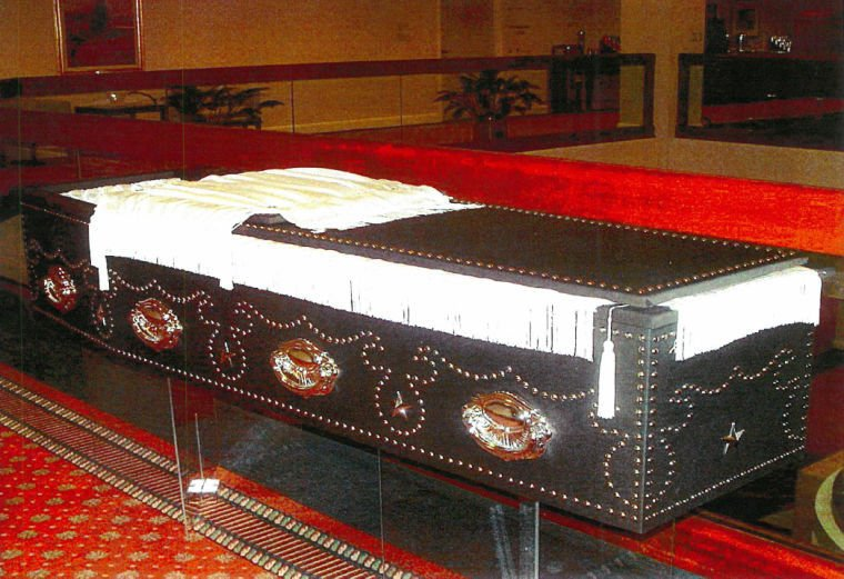 Lincoln's replica coffin