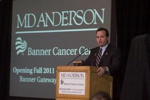 Banner cancer center in Gilbert breaks ground