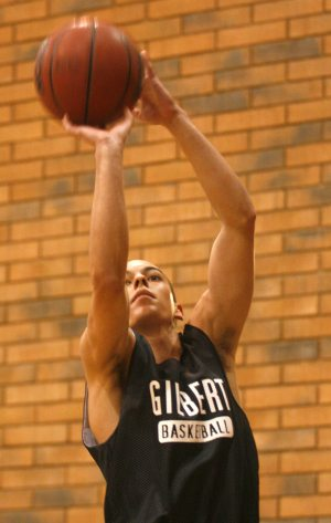 Prep Insider: Gilbert still a two-horse hoops town
