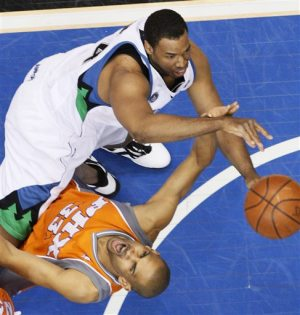 Hill, Suns cruise past Timberwolves