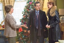 Cast puts 'Nothing Like the Holidays' into positive territory