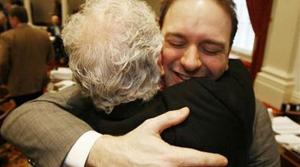 Vermont legalizes gay marriage with veto override