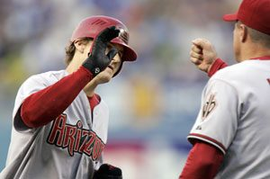 D-Backs hold off late rally by Dodgers for win, 8-7