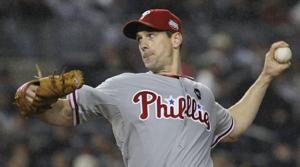 Lee, Phils top Yanks in World Series opener