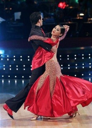 Can a woman win 'Dancing With the Stars' crown?