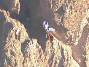 Hiker falls, dies after being attacked by bees on Camelback Mountain