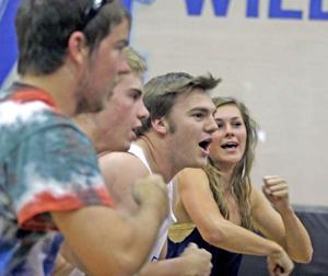 afn.051910.SP.dvboyvolley4.jpg