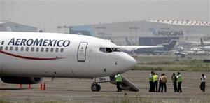 Hijacked plane passengers freed in Mexico
