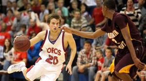 Toros survive back-and-forth battle