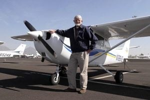 Scottsdale councilman lands plane without gear 