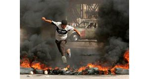 Iraqis cheer crash of British helicopter