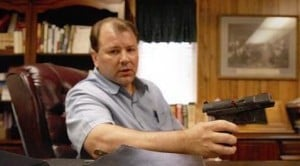Pastor welcomes guns, their owners to church