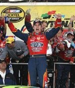 Jeff Gordon wins his third Daytona 500