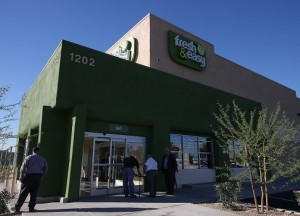 Fresh & Easy opens its doors to the Valley