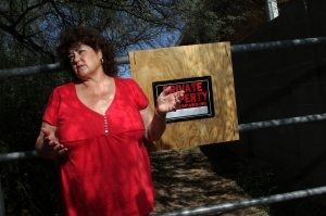 Scottsdale may seize easement behind houses