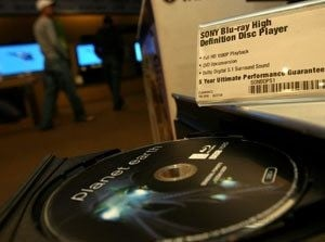 Best Buy, Wal-Mart, Ultimate Electronics abandon HD DVD