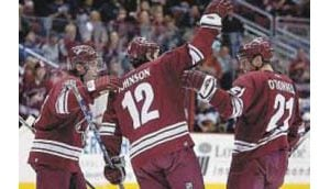 Late-scoring binge lifts Coyotes
