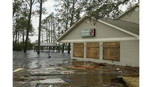 Hurricane Ivan slams Gulf Coast killing 20