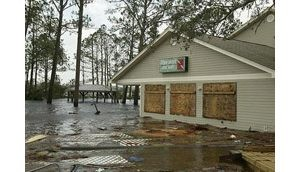 Hurricane Ivan slams Gulf Coast killing 20