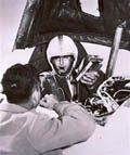 Test pilot Scott Crossfield killed in crash