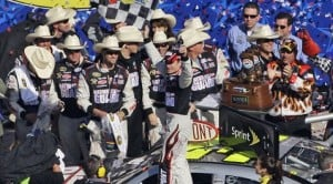 Gordon snaps winless streak with victory at Texas