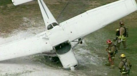 Plane lands on Phoenix school playground 