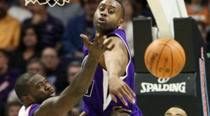 Nash, Stoudemire lead Suns past Kings, 115-107