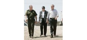 Bush visits Yuma to push immigration plan