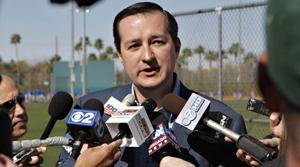 New Cubs owner Ricketts addresses team