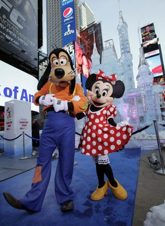Goofy, Minnie Mouse