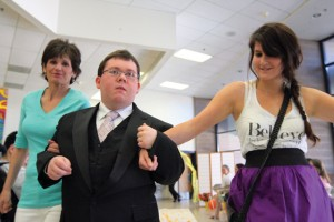 Best Buddies put on fashion show for prom