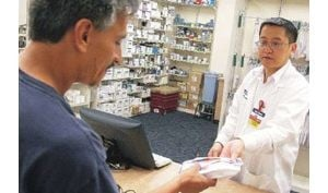 Wal-Mart expands $4 generic drug plan to Ariz.