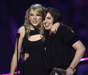 Swift, Pickler, win big at CMT awards
