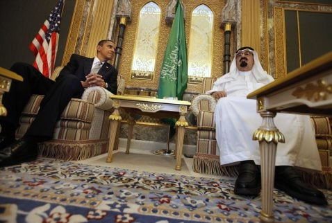 Obama visits Saudi king in Muslim outreach