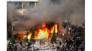 Syrians torch embassies over caricatures