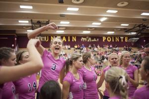Volleyball: Dig Pink