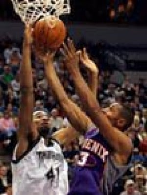Suns get in gear, pull away from Wolves