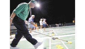 'Shuffleboard Bob' lures tourney to Mesa